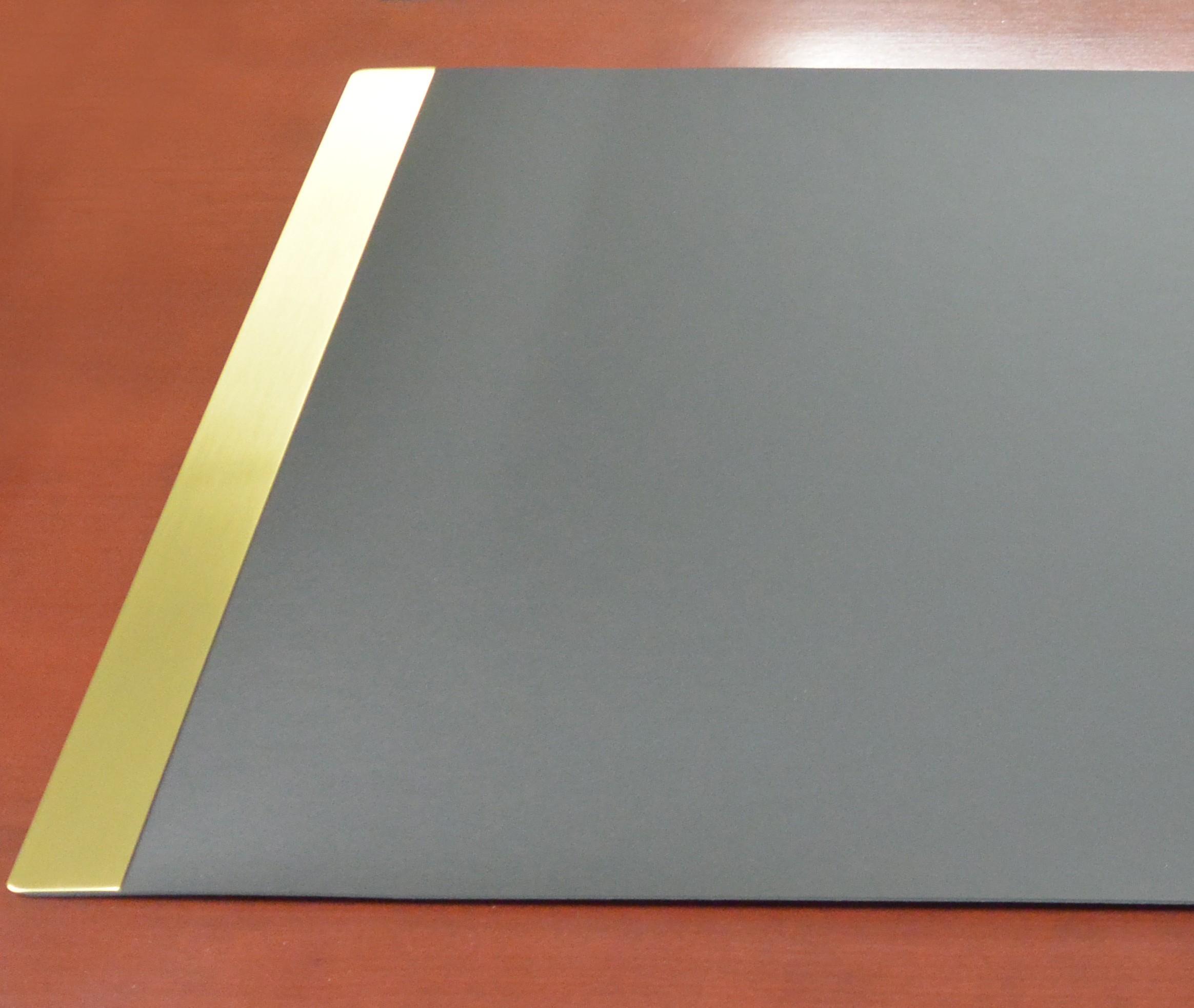 Linoleum Desk Pad With Metal Side Panels Highest Quality